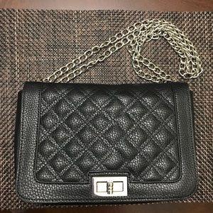 New York & Company quilted handbag / Crossbody